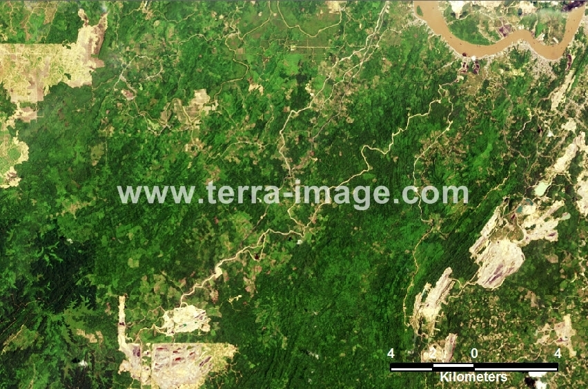 23 Kutai Landsat Natural Citra Satelit