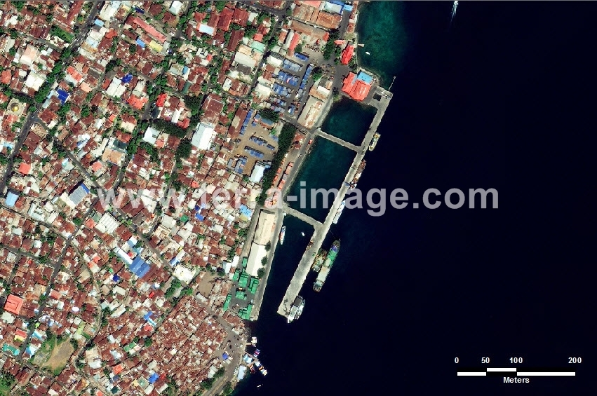 34 Ternate GeoEye Natural Citra Satelit