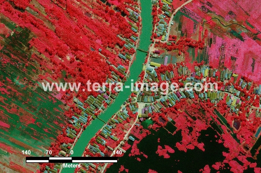 37 Halong WorldView-2 Red Citra Satelit
