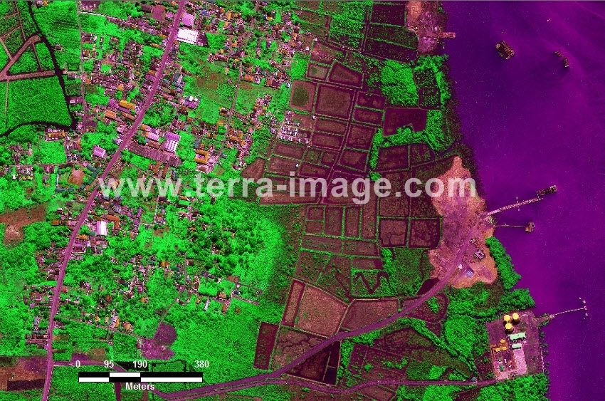 58 Batulicin WorldView-2 Green Color Foto citra satelit