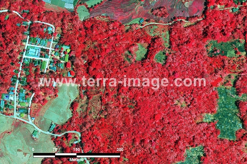 60 Maros WorldView-2 Red Color Foto citra satelit