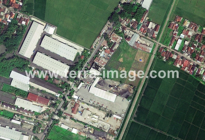 15 GeoEye-1 Natural Pakisaji Malang foto satelit