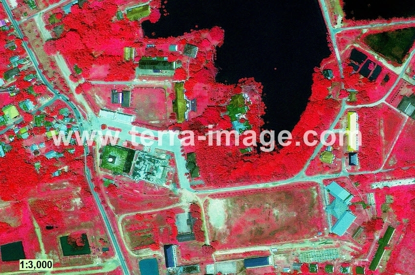 01 GeoEye-1 Red teritip citra satelit