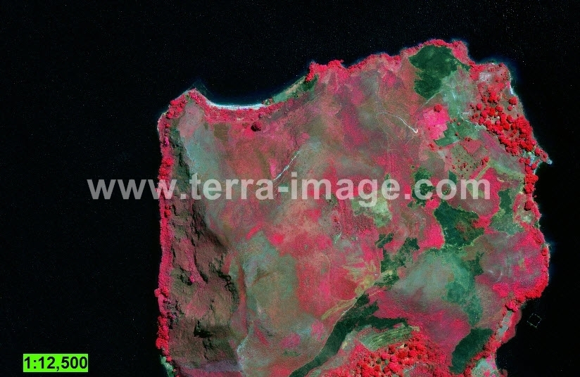 28-geoeye1-red-pusuk-buhit-citra-satelit